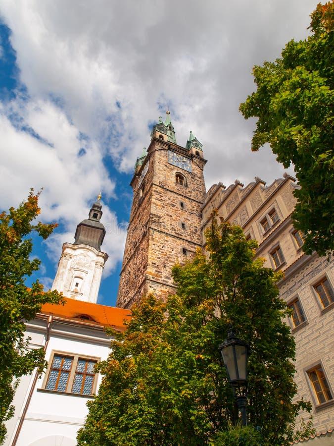 Torre e municipio neri in Klatovy immagini stock libere da diritti