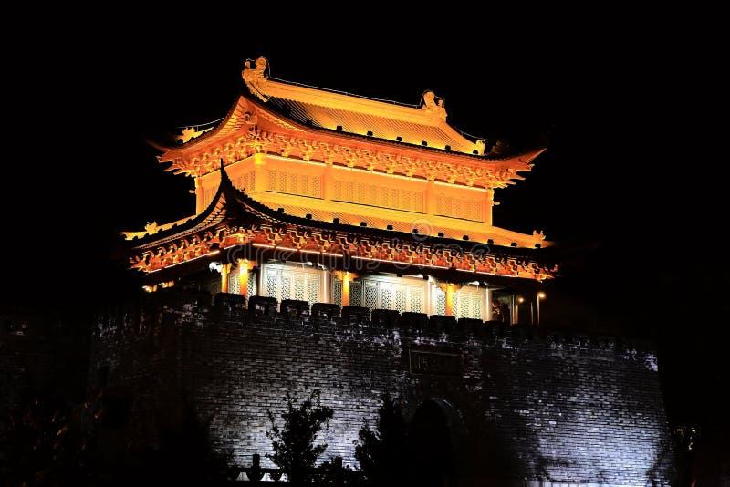 Torre e porta de Yueyang imagens de stock