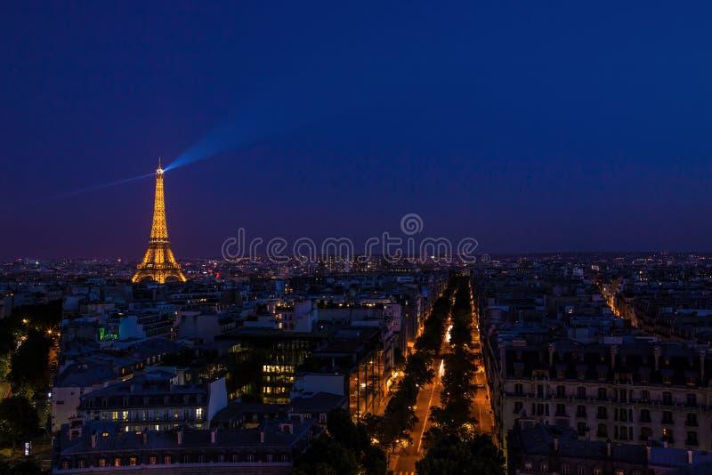 Torre Eiffel alla notte fotografie stock