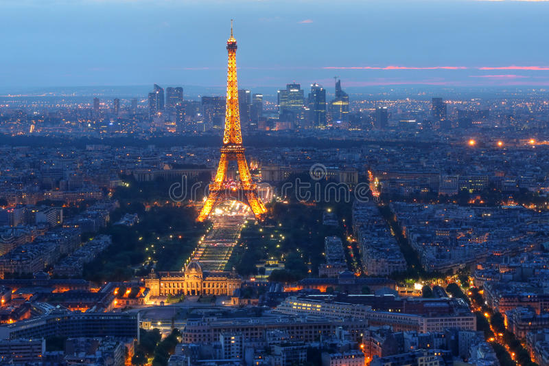 Torre Eiffel alla notte, Parigi, Francia fotografie stock libere da diritti