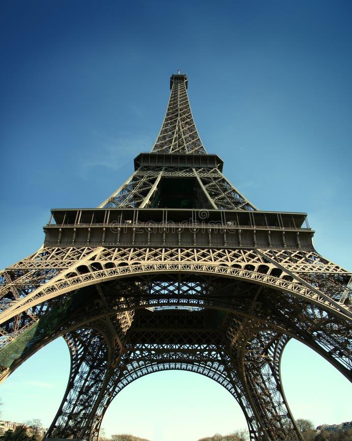 Torre Eiffel con el pict granangular de la visión HD imágenes de archivo libres de regalías