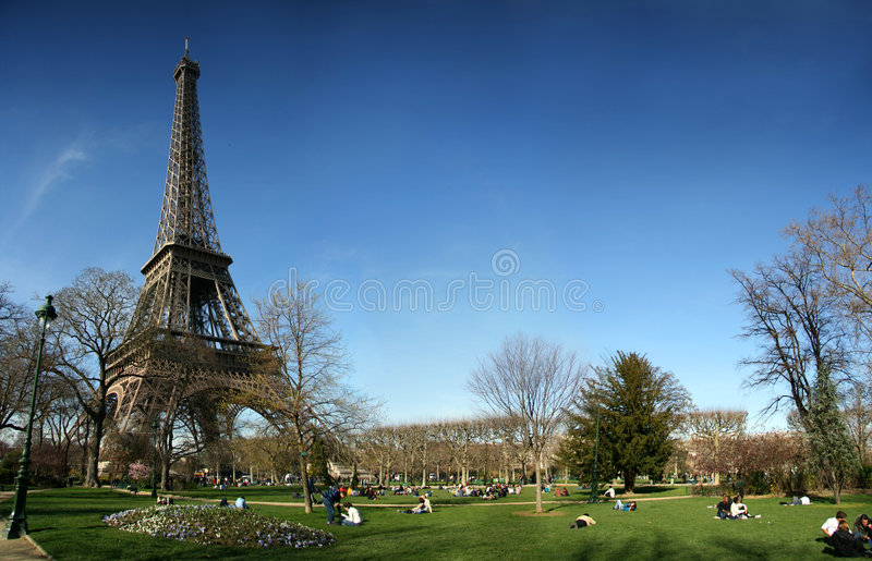 Torre Eiffel con la opinión panorámica de HD imagen de archivo libre de regalías