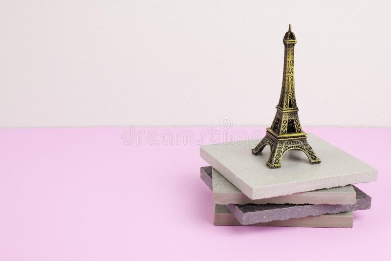 Torre Eiffel da lembrança fotografia de stock royalty free