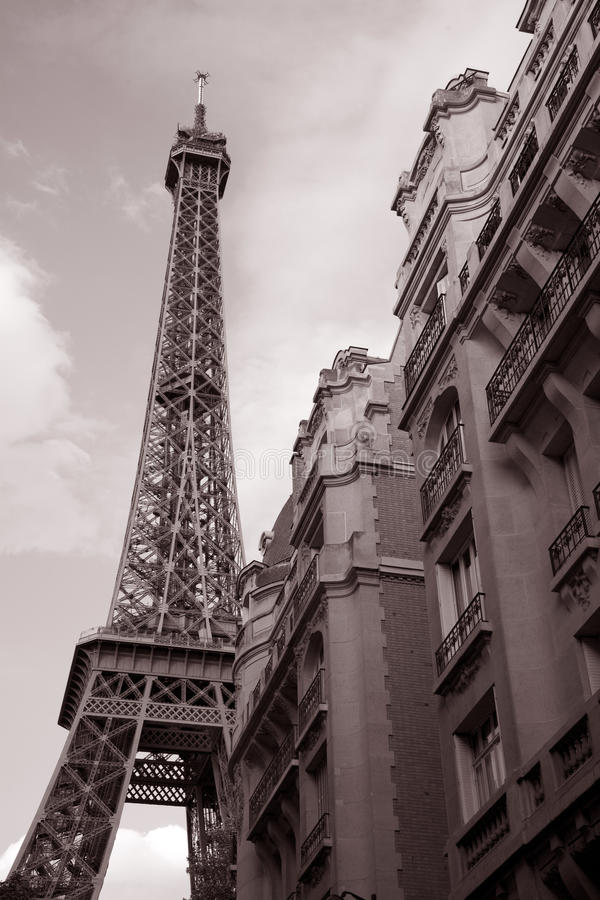 Torre Eiffel e costruzione, Parigi fotografia stock libera da diritti