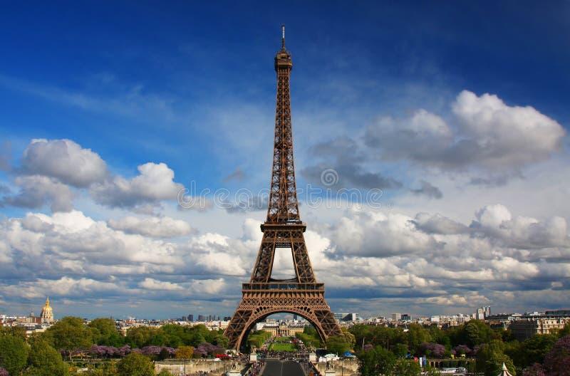 A torre Eiffel em Paris fotografia de stock