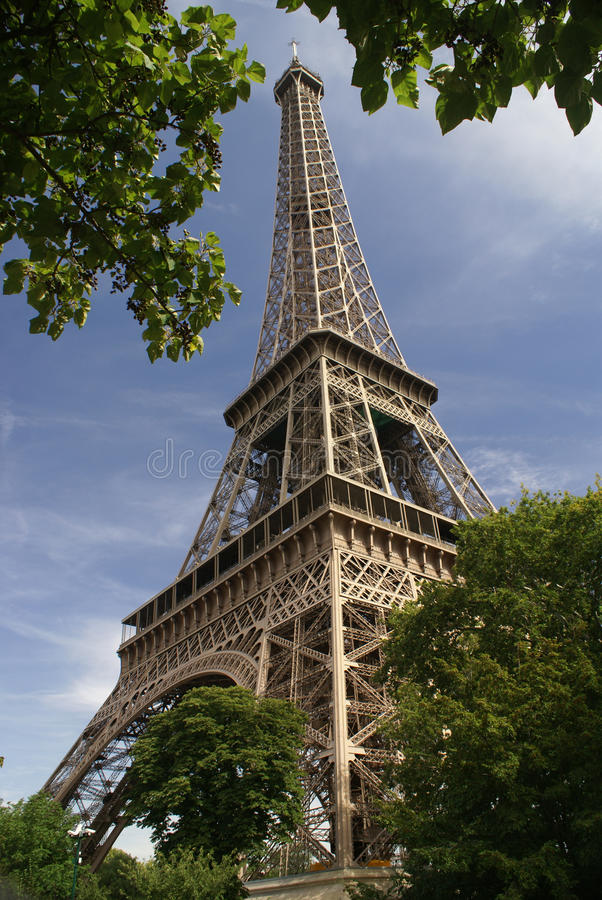 A torre Eiffel em Paris, France fotos de stock royalty free