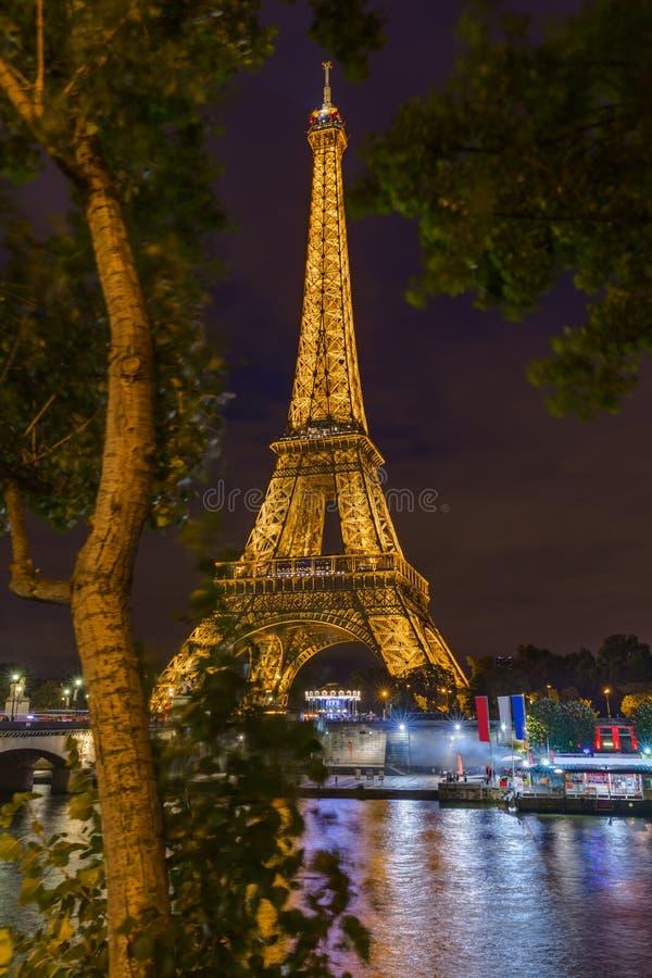 Torre Eiffel em Paris France fotos de stock