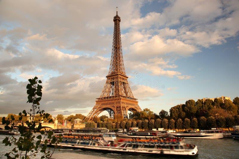 Torre Eiffel em Paris, France fotografia de stock royalty free