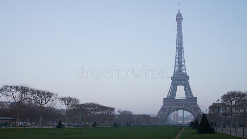 Torre Eiffel em Paris, France imagem de stock