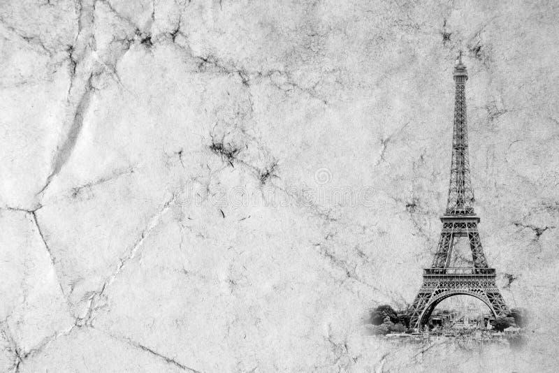 Torre Eiffel en París Fondo de la opinión del vintage Viaje a la foto retra vieja del estilo de Eiffel con el papel arrugado las  fotos de archivo libres de regalías