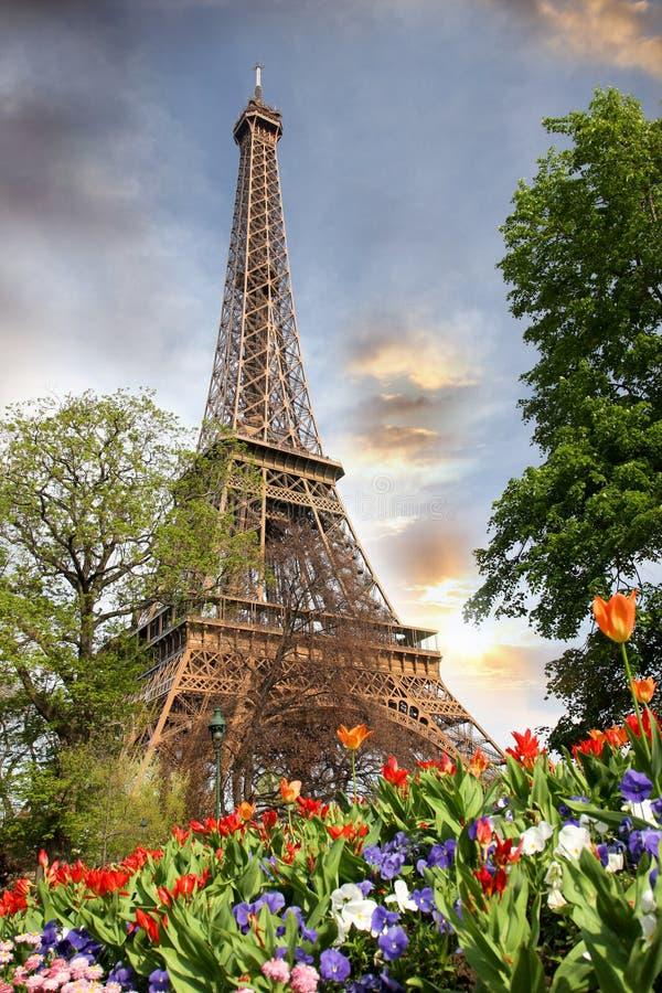 Torre Eiffel en tiempo de primavera, París, Francia fotos de archivo libres de regalías