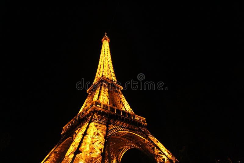 Torre Eiffel na noite, Paris imagem de stock royalty free