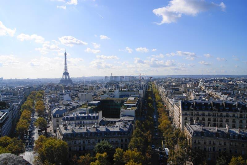 A torre Eiffel no outono fotos de stock