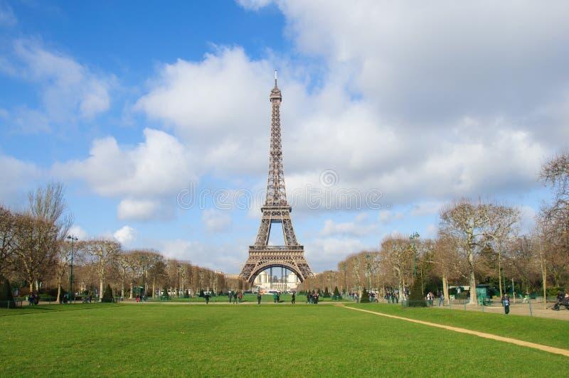 Torre Eiffel a Parigi in monumento di turismo della Francia immagine stock