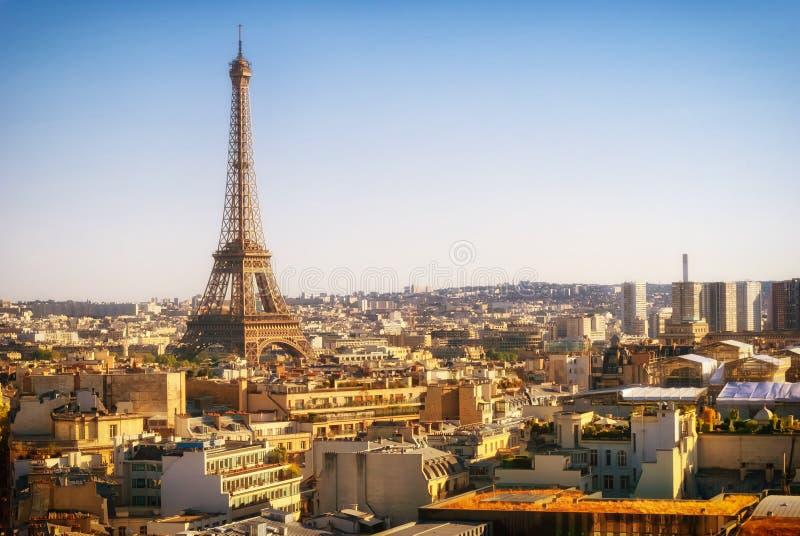 Torre Eiffel, Paris, vista panorâmica do arco triunfal imagem de stock royalty free