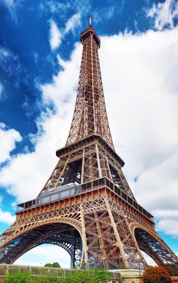 Torre Eiffel - vea de los campeones de Mars.Paris, Francia fotos de archivo