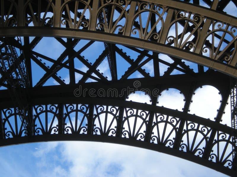 Torre Eiffel y aeroplano - color foto de archivo libre de regalías
