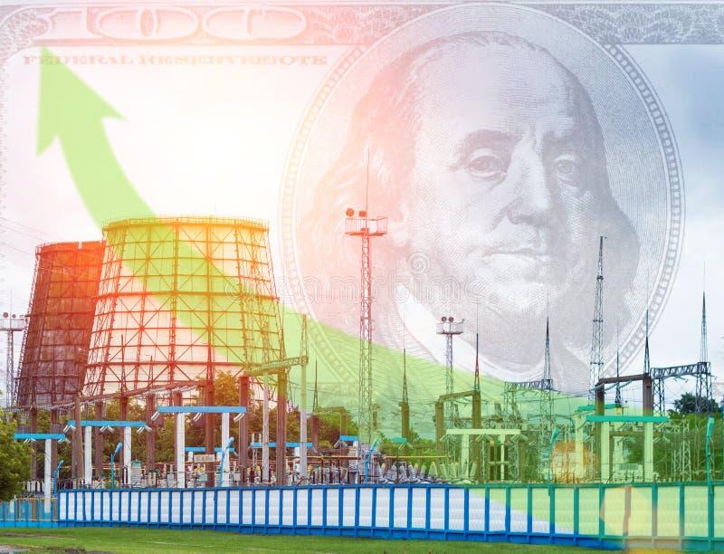 Torre eléctrica de la estación y de enfriamiento, dólar en el cielo, flecha verde, precios de levantamiento de la electricidad, c imagen de archivo libre de regalías