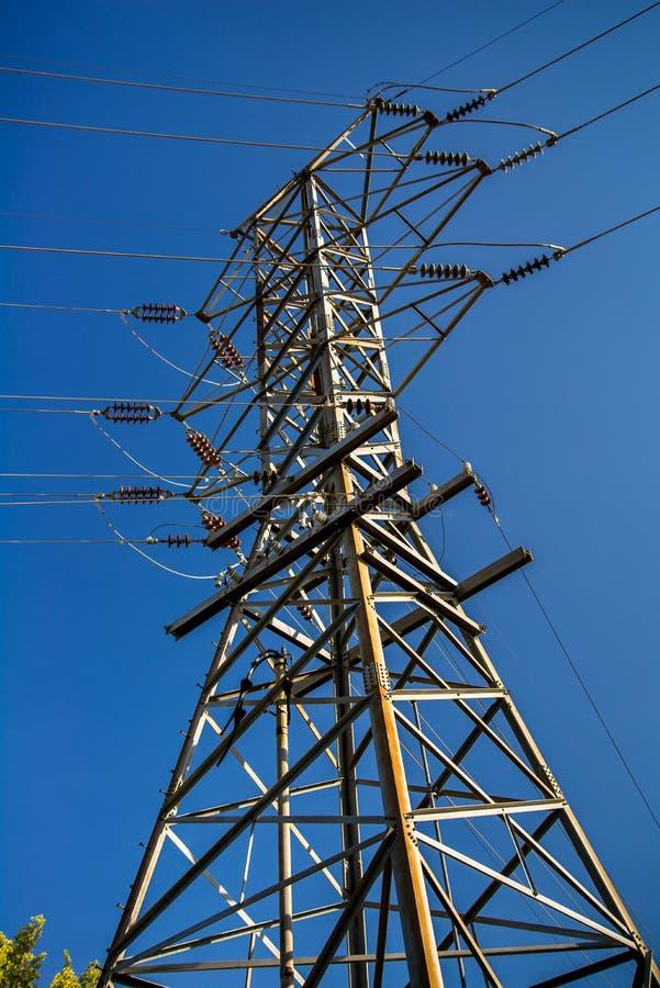 Torre eléctrica de la línea eléctrica imágenes de archivo libres de regalías