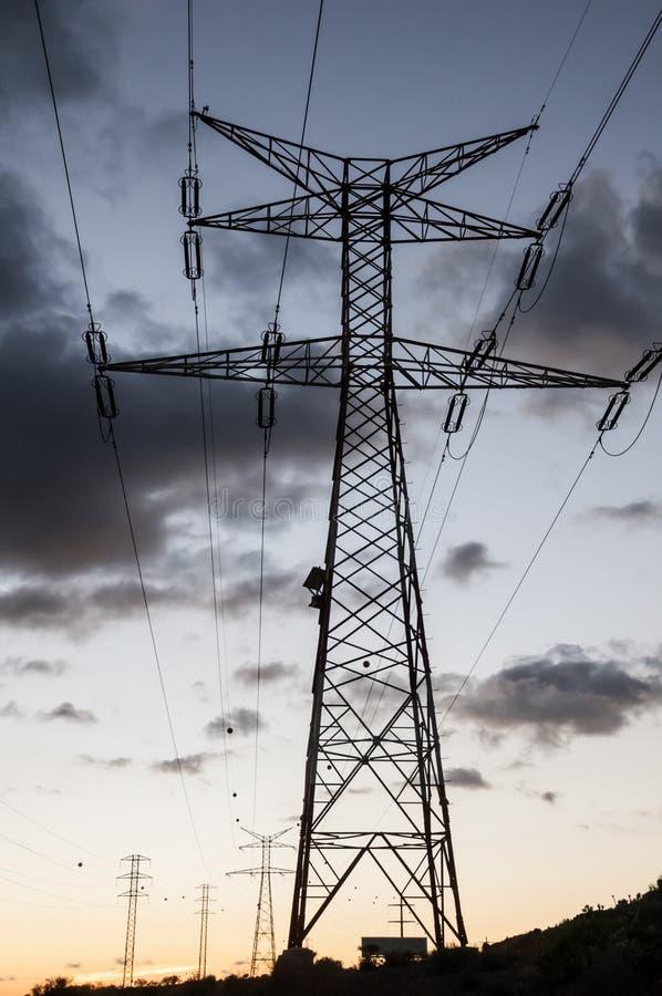 Torre el?ctrica de alto voltaje de la transmisi?n fotos de archivo libres de regalías