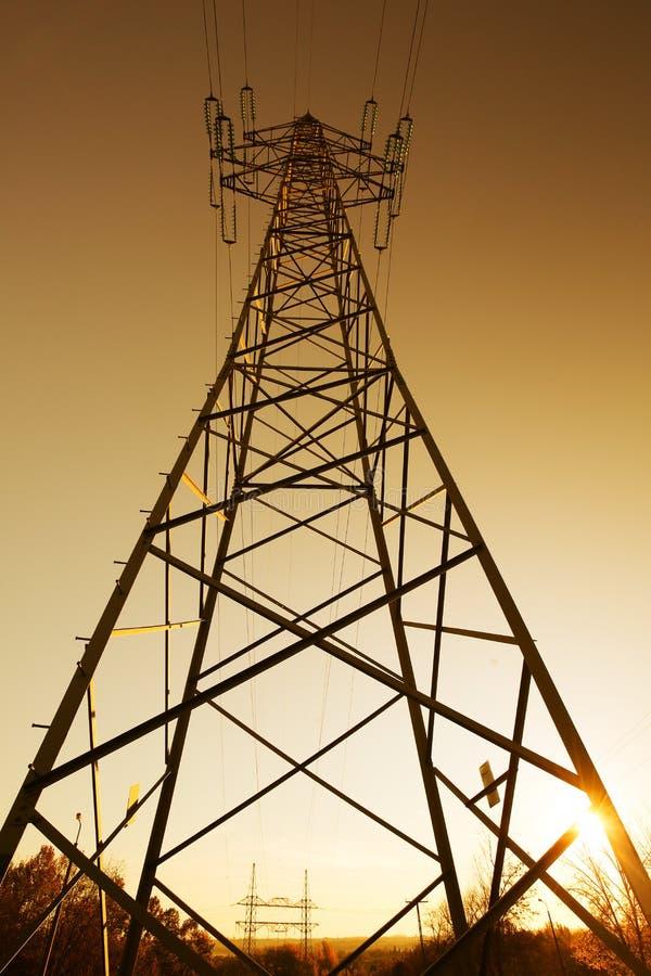 Torre elettrica del cavo fotografia stock