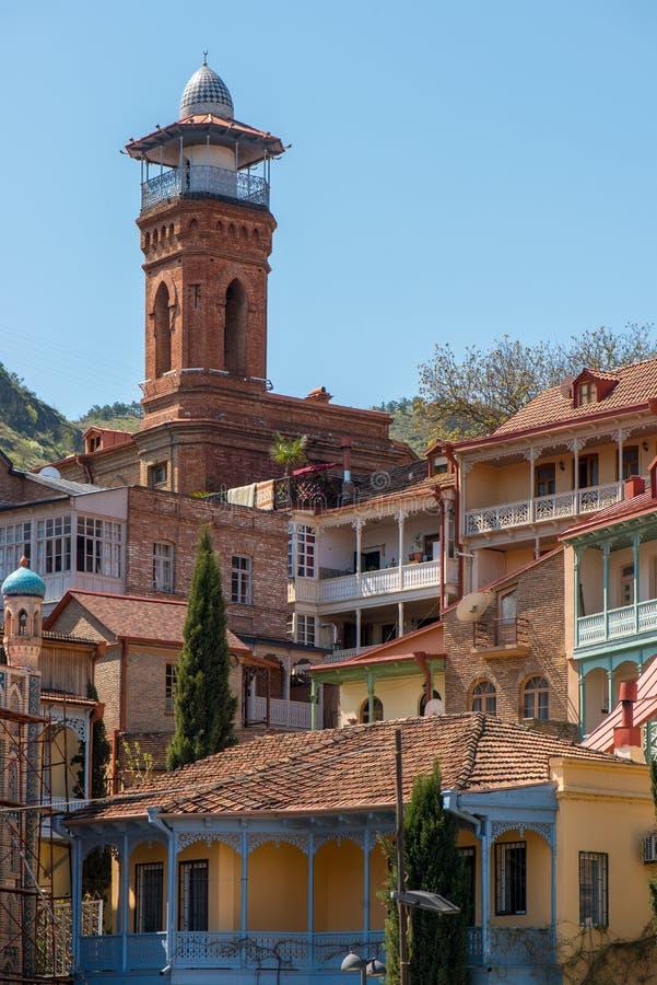 Torre en el parque viejo de Tbilisi fotos de archivo libres de regalías