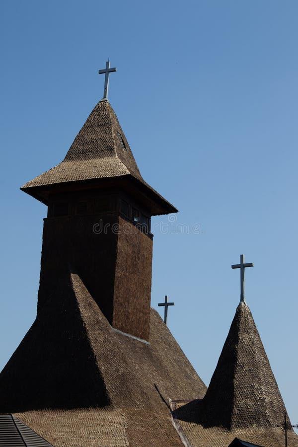 Torre en el Sapanta-Peri del monasterio, Maramures, Rumania imagenes de archivo
