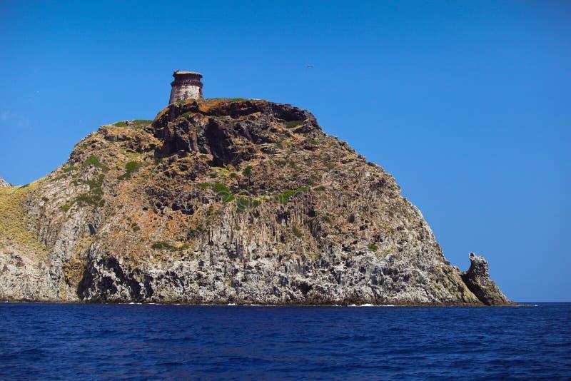 Torre en la isla Elba de Capraia fotografía de archivo libre de regalías