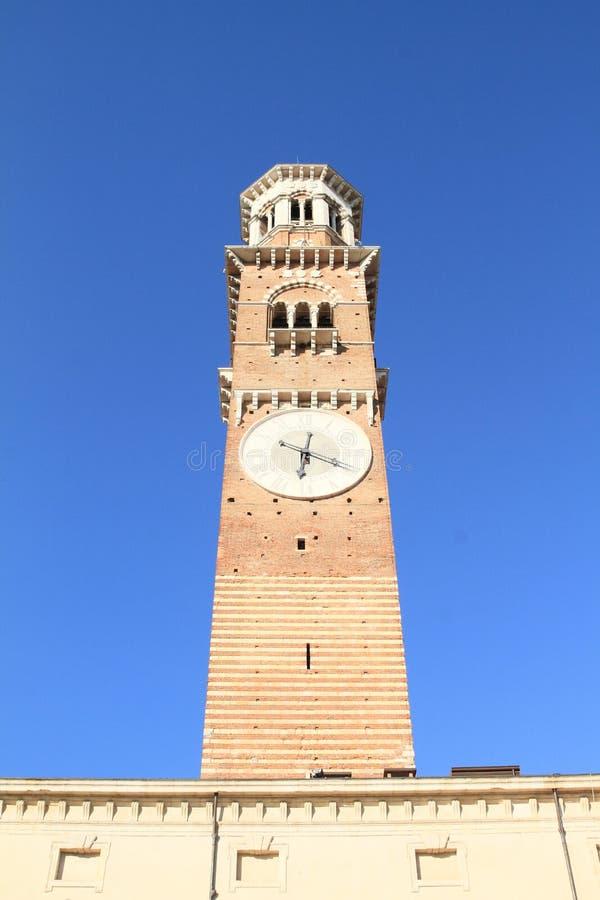 Torre en Verona imagenes de archivo