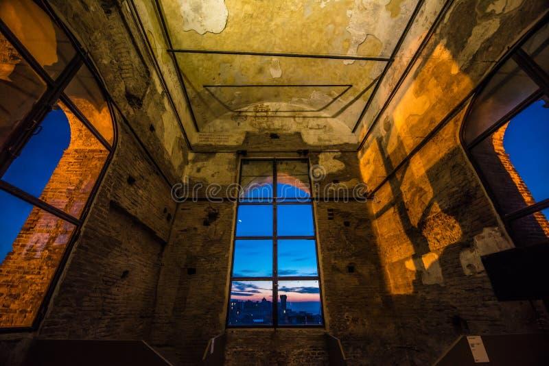 Torre Grimaldina i Genua royaltyfri fotografi