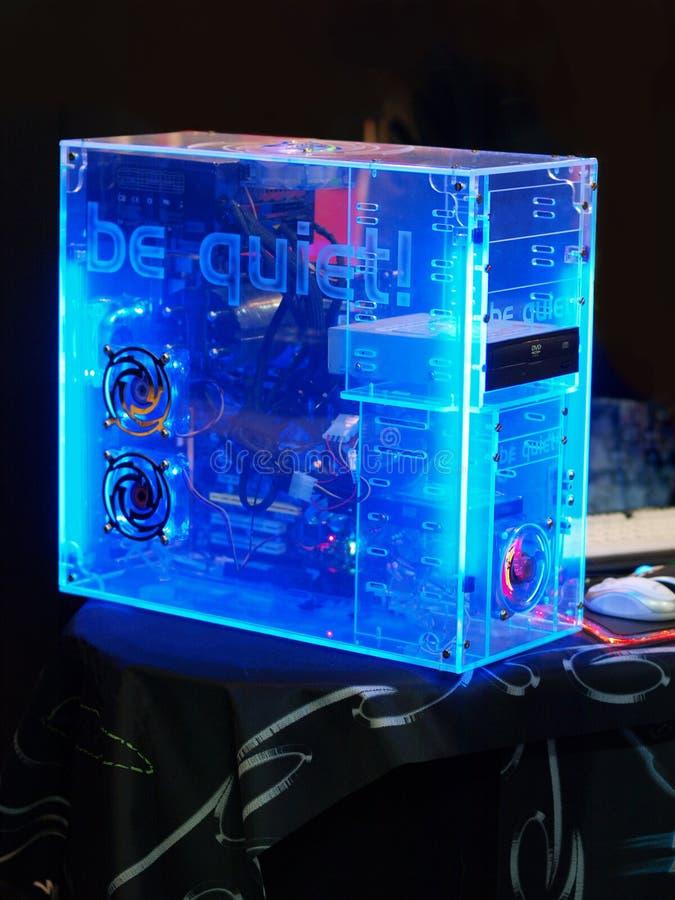 Torre hecha en casa de la PC hecha del plástico transparente Idea de silencioso fotografía de archivo