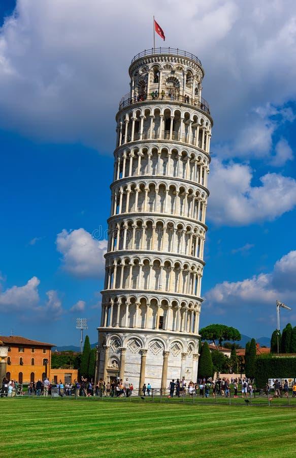 A torre inclinada de di Pisa do pendente de Pisa Torre em Pisa, Itália fotos de stock