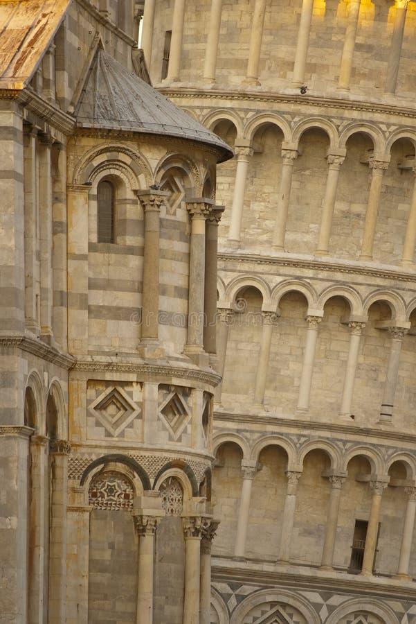 Torre inclinada de Pisa del detalle foto de archivo libre de regalías