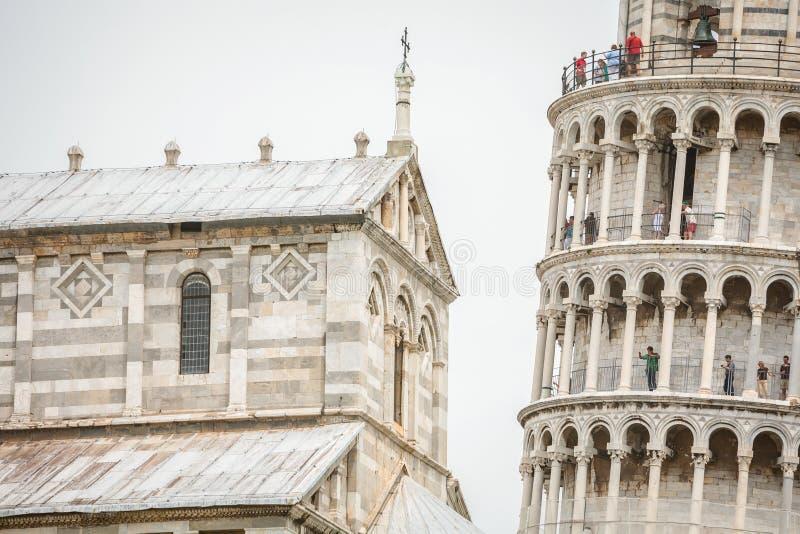 Torre inclinada de Pisa e de catedral de Pisa imagem de stock royalty free