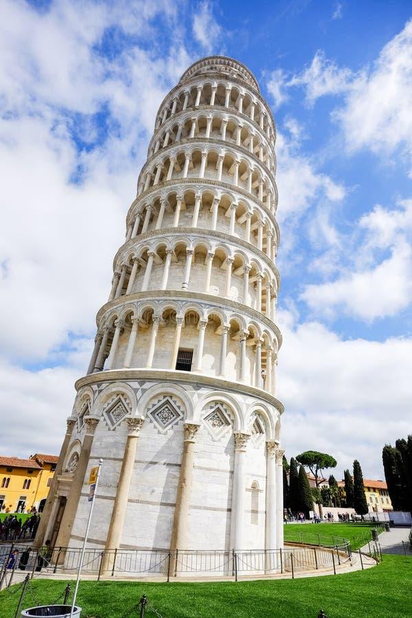 A torre inclinada de Pisa, Italy fotografia de stock