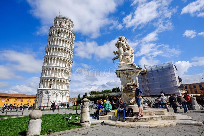 A torre inclinada de Pisa, Italy fotografia de stock royalty free