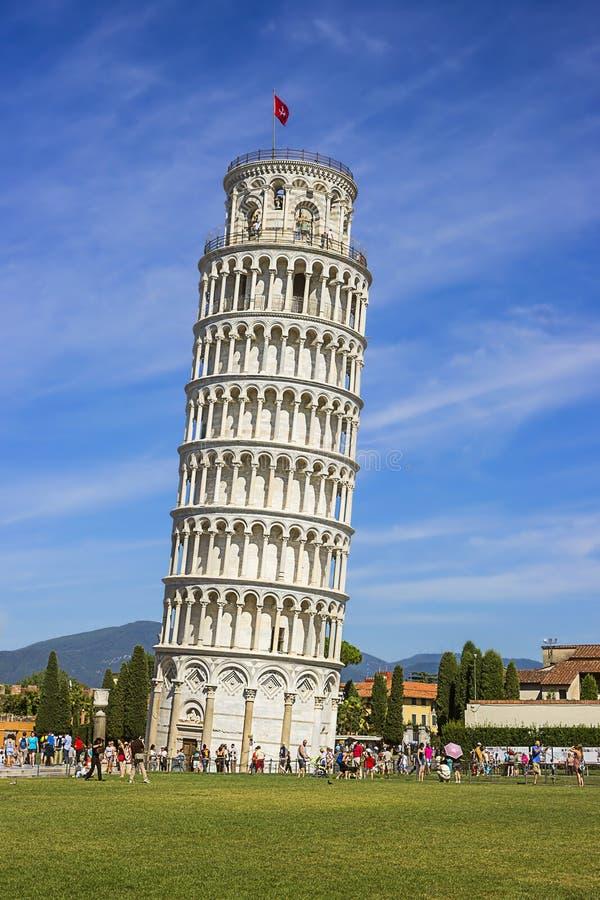 Torre inclinada de Pisa no verão em Itália fotografia de stock royalty free