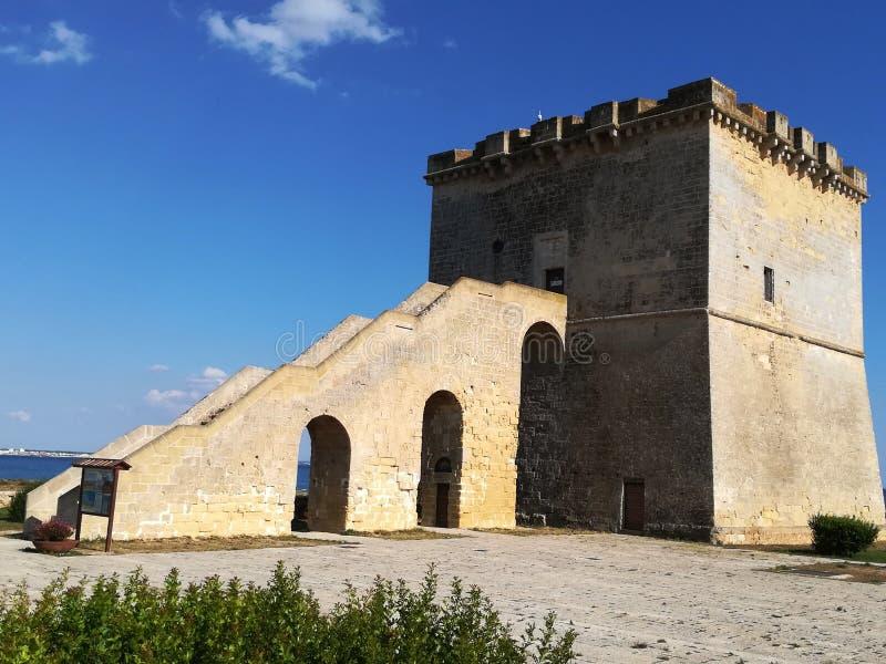 Torre Lapillo dichtbij Porto Cesareo in Salento Italië stock afbeelding