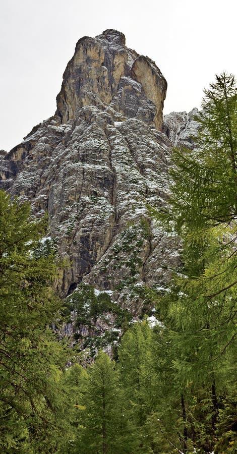Torre Laserzwand de la montaña fotos de archivo