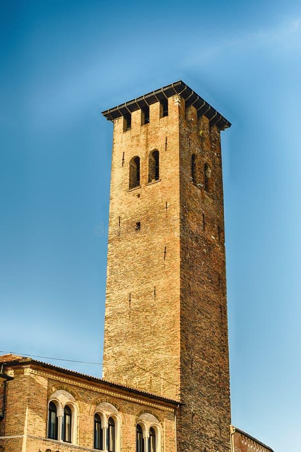 Torre medieval en la plaza Erbe, Padua, Italia imagen de archivo libre de regalías