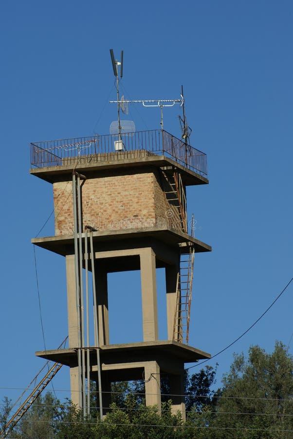 Torre militare di telecomunicazione immagini stock libere da diritti