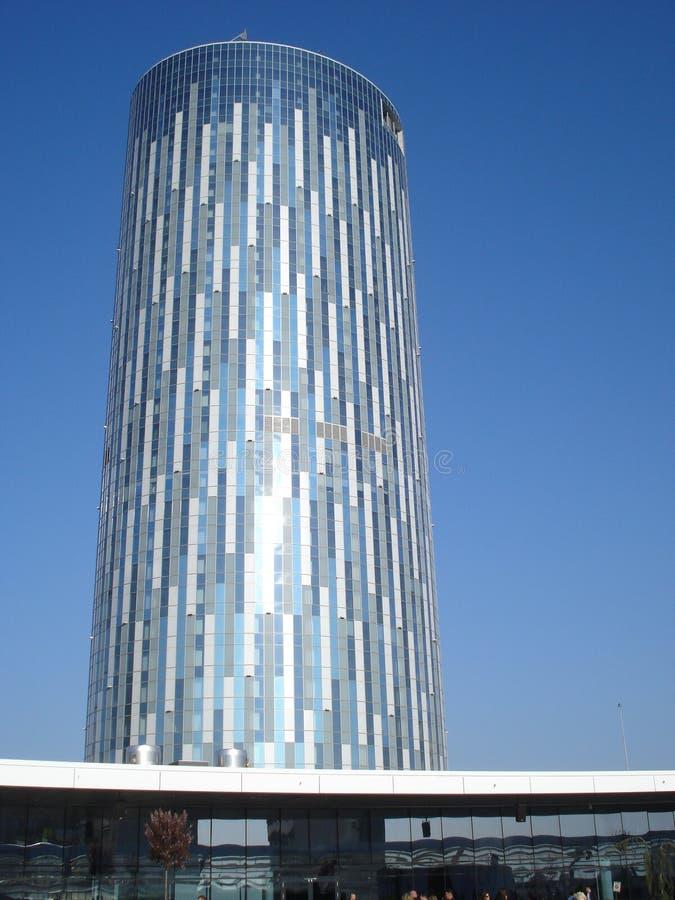 Torre moderna en Bucarest imagen de archivo libre de regalías