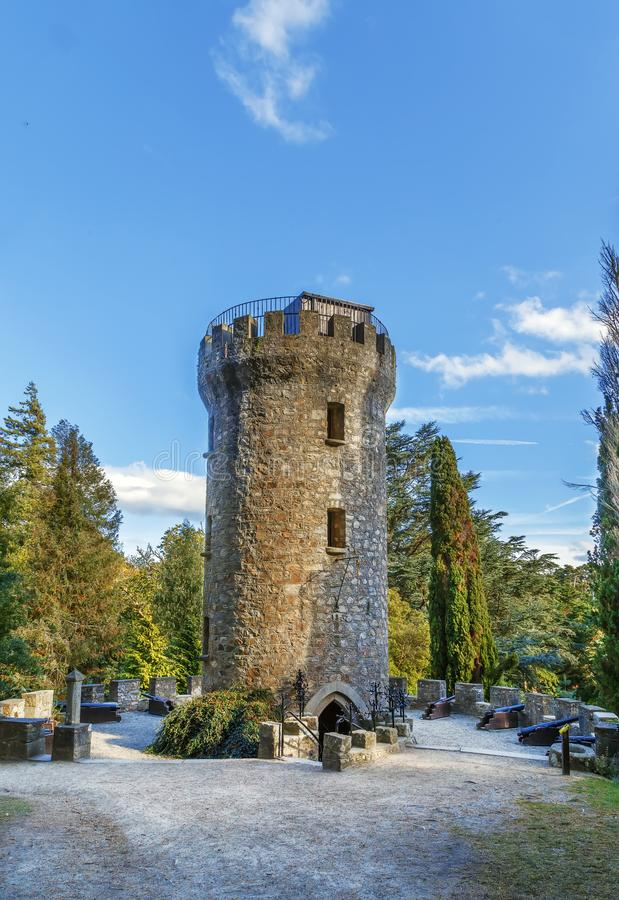 Torre nei giardini di Powerscourt, Irlanda di Pepperpot fotografie stock libere da diritti