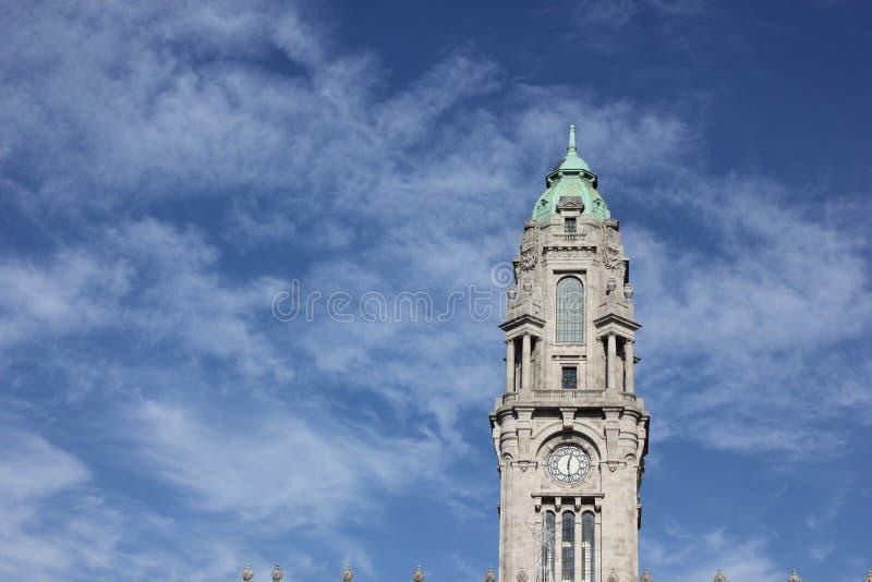 Torre nel cielo immagini stock