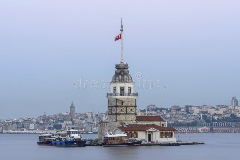 Torre nova ou Kiz Kulesi Istambul foto de stock