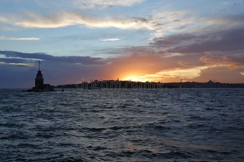 Torre nubile del ` s al tramonto immagine stock