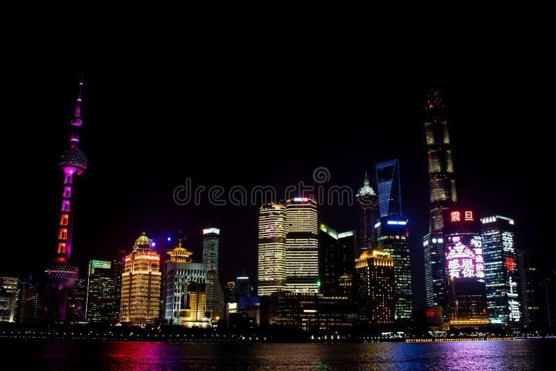 Torre oriental da tevê da pérola, Shanghai, China imagens de stock royalty free