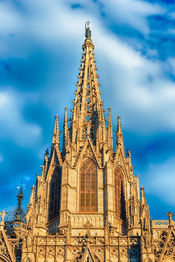 Torre principal de la catedral de Barcelona, Cataluña, España imagen de archivo libre de regalías