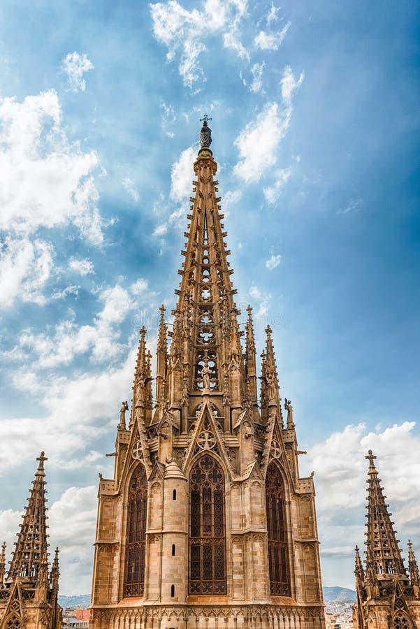 Torre principal de la catedral de Barcelona, Cataluña, España fotografía de archivo