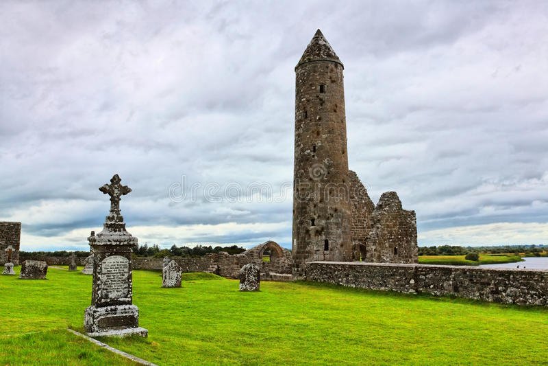 Torre redonda de Clonmacnoise imagem de stock